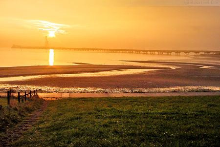 Wilhelmshaven: Traumhafter Sonnenaufgang am Geniusstrand