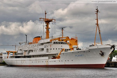 Wehrforschungsschiff PLANET der IEHF Wilhelmshaven, Wiesbadenbrücke