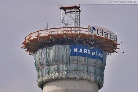 Schornstein des Kraftwerks GDF Suez in Wilhelmshaven