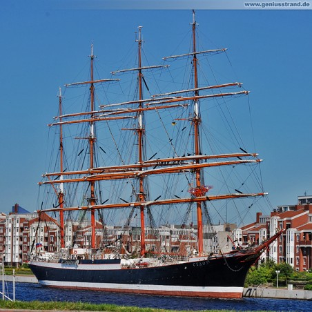 Das Segelschulschiff Sedov (Седов) am Bontekai in Wilhelmshaven