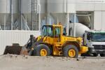 Volvo Radlader am Betonmischwerk