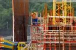 Arbeiten an der Verschalung des Turbinengebäudes
