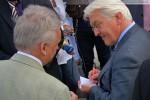 Selbst Autogrammwünsche erfüllte der Bundesaußenminister