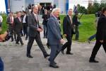 Bundesaußenminister Steinmeier auf den Weg zu seiner Limousine