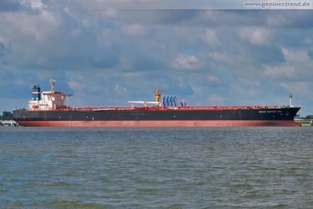 Tanker Bunga Kasturi Tiga an der NWO-Pier