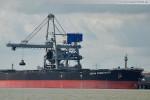Frachtschiff Ocean Commander an der Niedersachsenbrücke in Wilhelmshaven