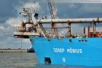 Der Saugbagger Josef Möbius an der JadeWeserPort-Baustelle in Wilhelmshaven