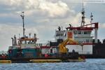 JadeWeserPort - Arbeitsschiff Coastal Hunter und Saugbagger Pirat X