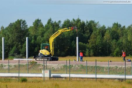 Arbeiten an der Lärmschutzwand in Höhe der Eisenbahnbrücke