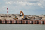 Die Baustelle JadeWeserPort: Eindrücke vor und hinter der Kajenwand