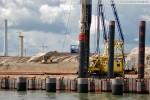 Hauptkaje JadeWeserPort: Pierplattenpfähle werden gerammt