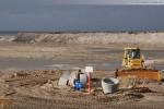Baustelle JadeWeserPort: Sandaufschüttung am Spülfeldrand