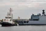 Fregatte Augsburg (F 213) beim Schleife fahren im Großen Hafen