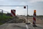 JadeWeserPort: Vor der Eisenbahnbrücke (Blick in Richtung Leuchtturm)