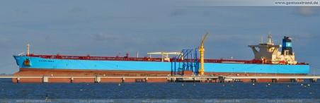 Supertanker Maersk Noble mit einer Gesamtlänge von 333 Metern