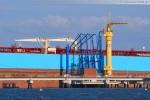 Der Supertanker Maersk Noble am Löschkopf Nr. 4