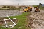 JadeWeserPort: Vorbereitung für die Spülarbeiten direkt hinter dem Deich
