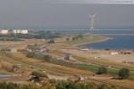 JadeWeserPort: Eisenbahnbrücke und Lärmschutzwand
