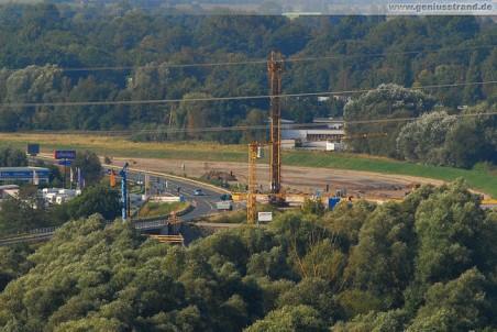 Blick auf die Autobahnbaustelle: Kreuzung Flutstraße/Niedersachsendamm