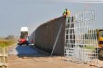Gleisanbindung JadeWeserPort: Arbeiten an der Lärmschutzwand