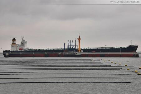 Tanker Antarctic löscht an der NWO-Pier 145.597 t Rohöl