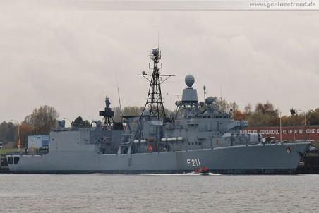 Die Fregatte Köln (F 211) im Heimathafen Wilhelmshaven