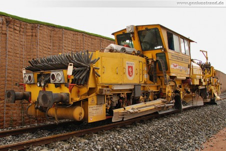 Gleisanbindung JadeWeserPort: Die Schotterplaniermaschine SSP 110 SW
