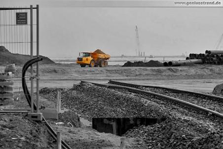 JadeWeserPort: Das Gleisende kurz hinter dem Deich auf der Baustelle