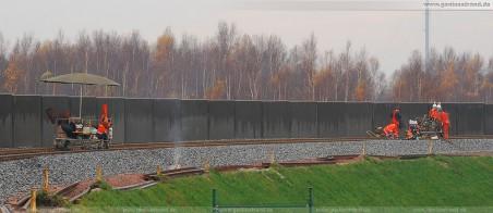 Gleisanbindung JadeWeserPort: Die Gleisjoche werden per Thermit-Schweißverfahren miteinander verbunden