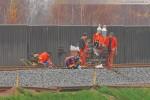 Gleisanbindung JadeWeserPort: Schienenschweißer bei der Arbeit