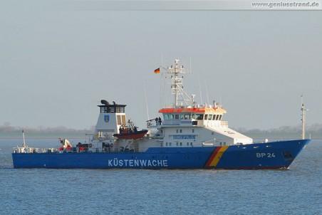 Das Bundespolizeischiff Bad Bramstedt (BP 24) auf der Jade