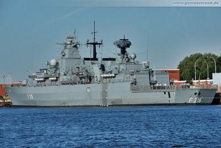 Fregatte F 218 an der Instandsetzungspier des Marinestützpunktes