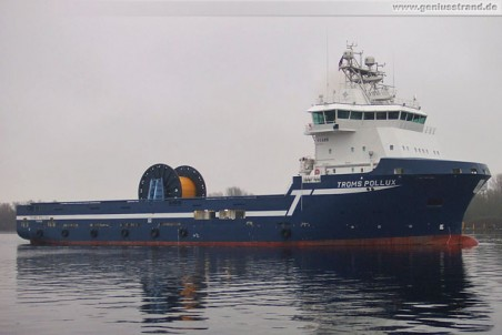 Offshore-Versorgungsschiff Troms Pollux in Wilhelmshaven (Nordhafen)