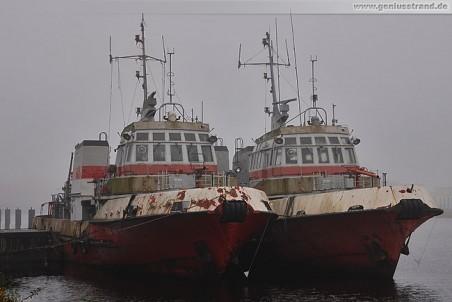 Die Feuerlöschboote FLB-40-1 und FLB-40-2 im Kanalhafen