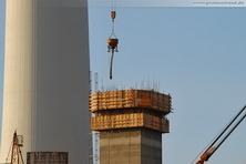 Der 65 Meter hohe Treppenturm der Rauchgasentschwefelungsanlage