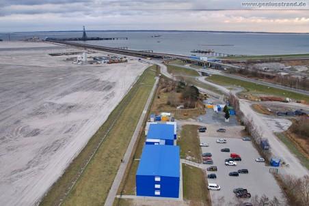 Baustelle JadeWeserPort: Die blauen Bürocontainer der ArGe JadeWeserPort