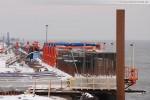 Baustelle JadeWeserPort: Zwei riesige Schalgerüste an der Hauptkaje
