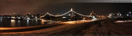 Südstrand Wilhelmshaven: Weihnachtliche maritime Stimmung an der Kaiser-Wilhelm-Brücke