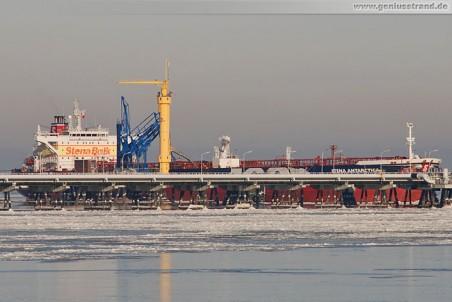 Tanker Stena Antarctica löscht 100.000 t Rohöl
