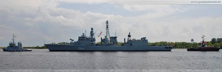 Die Fregatte Lübeck (F 214) mit Schlepper Scharhörn und Stella im Nordhafen