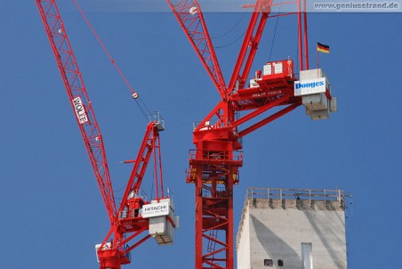 Fussball-WM 2010: Höchste Deutschlandflagge in Wilhelmshaven