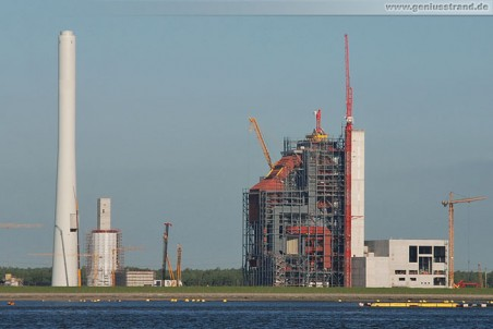 GDF Suez Kraftwerksbaustelle: Montage Wippkran Wolff 355 B