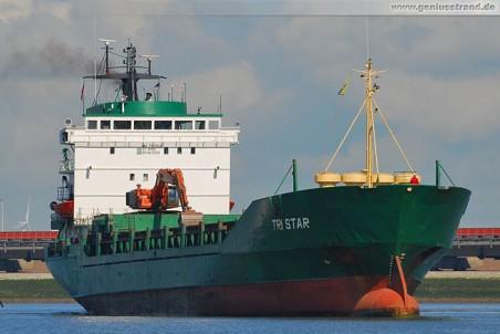 Frachtschiff Tri Star hat Baustoffe an der Niedersachsenbrücke gelöscht
