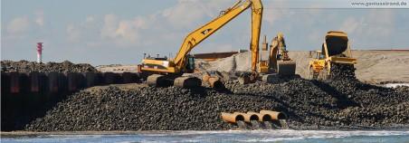 JadeWeserPort Baustelle Wilhelmshaven: Baggerarbeiten am Norddamm