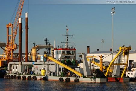 Der Möbius Saugbagger M 30 wieder in Wilhelmshaven
