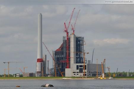 GDF Suez Kraftwerksneubau im Rüstersieler Groden von Seeseite