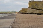 JadeWeserPort: Direkt neben der Niedersachsenbrücke liegt der Süddamm