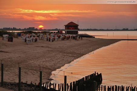 Sonnenuntergang am Hooksieler Strand