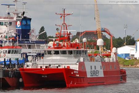 Forschungskatamaran Meridian in Wilhelmshaven