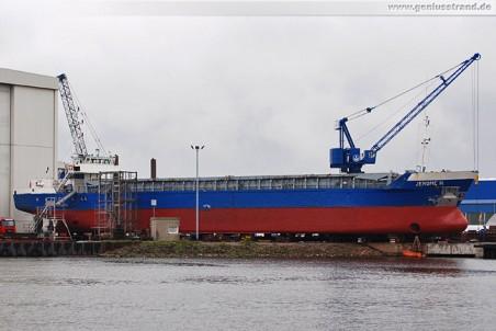 Frachtschiff Jerome H. auf der Slipanlage der Neuen Jadewerft